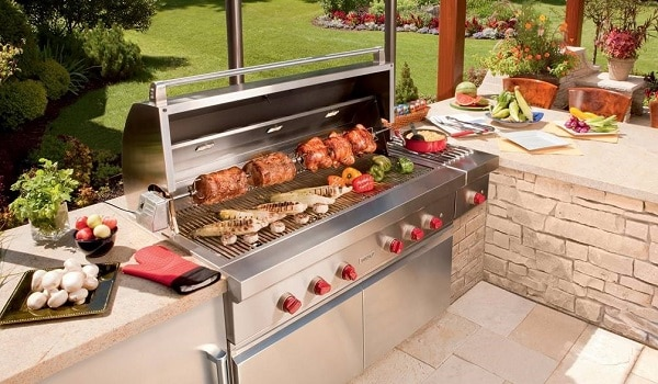 clean a barbecue grill that is rusty